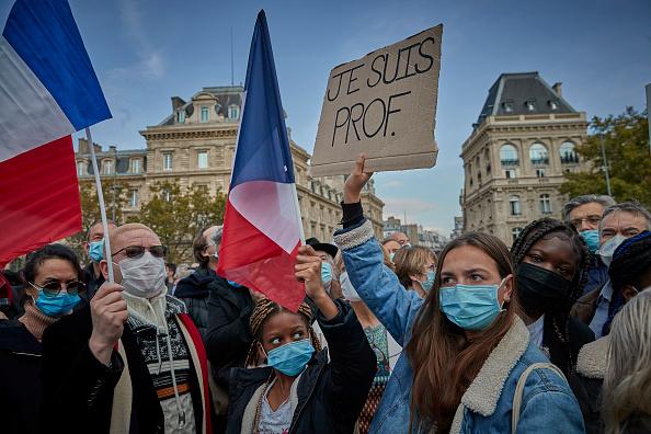 Paris - France「Anti-Terrorism Vigil Held For Beheaded Teacher」:写真・画像(14)[壁紙.com]