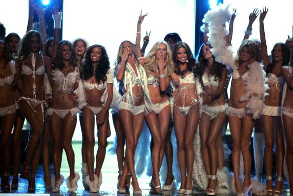 Victoria's Secret Fashion Show「The Victoria's Secret Fashion Show - Show」:写真・画像(2)[壁紙.com]