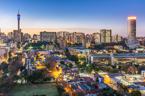 South Africa「Johannesburg city panorama sunflare with the tower」:スマホ壁紙(13)