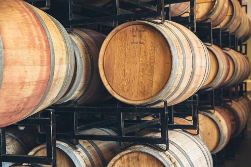 St「Wine barrels aging」:スマホ壁紙(12)