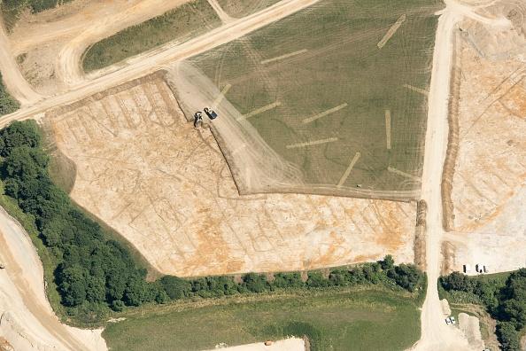 Open-pit Mine「Possible Prehistoric Or Roman Settlement Near Witney」:写真・画像(6)[壁紙.com]