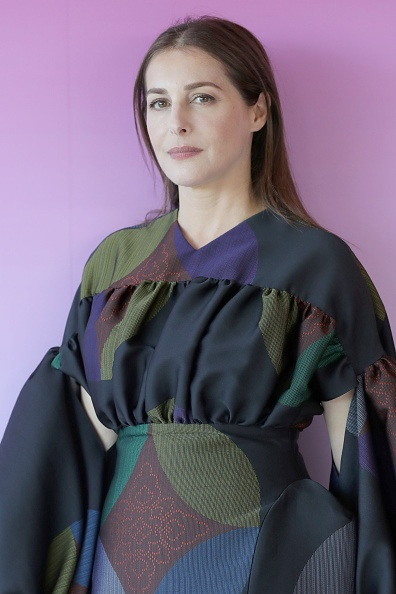 Lantern Sleeve「Amira Casar Portrait Self Assignment - The 77th Venice Film Festival」:写真・画像(1)[壁紙.com]