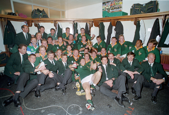 South Africa「South Africa celebrate 1995 Rugby World Cup Final Victory v New Zealand」:写真・画像(18)[壁紙.com]