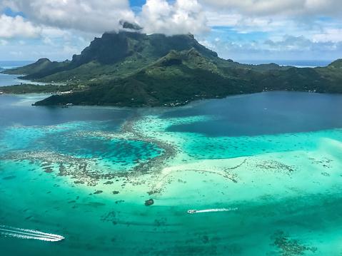 Volcanic Landscape「Bora Bora Island Aerial View French Polynesia」:スマホ壁紙(16)