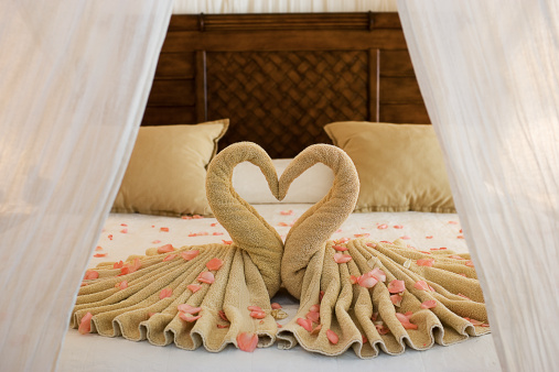 Unity「Beautiful Romantic Hotel Suite Interior, Empty」:スマホ壁紙(6)