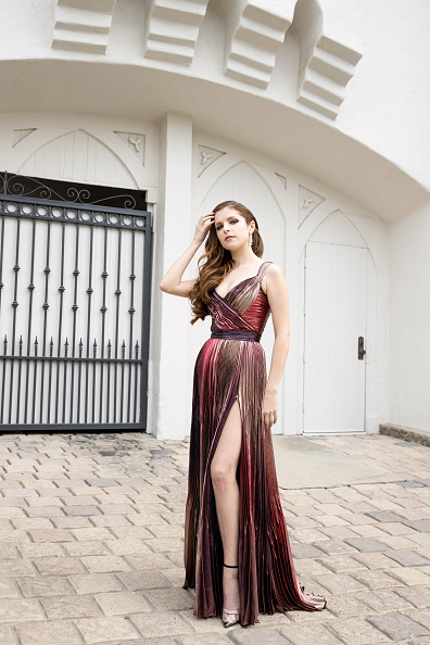 Maxi Dress「Anna Kendrick's Red Carpet Look For The 2021 British Academy Film Awards」:写真・画像(15)[壁紙.com]