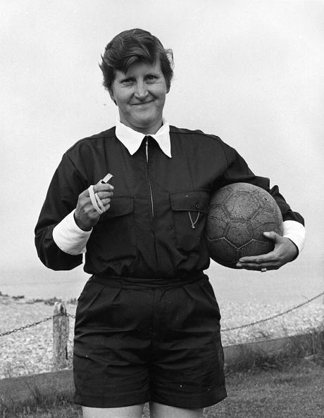 Women's Soccer「Female Referee」:写真・画像(5)[壁紙.com]