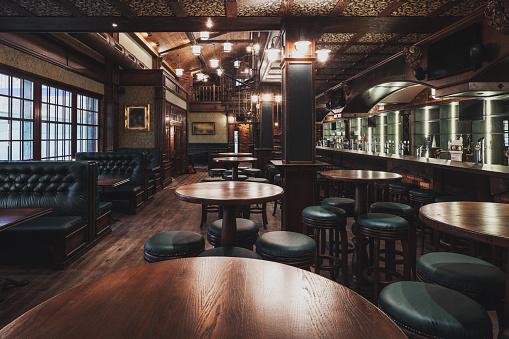 Table「Empty Restaurant Interior」:スマホ壁紙(9)