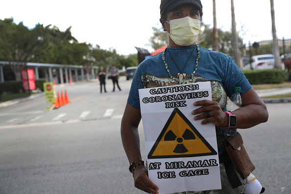 Emigration and Immigration「Immigrant Community Leaders Demand ICE Cancel Check-in Appointments Over Coronavirus Threat」:写真・画像(19)[壁紙.com]