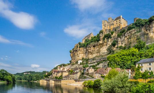 Castle「Chateau de Beynac Dordogne」:スマホ壁紙(3)