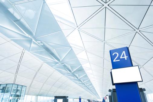 Projection Screen「Airport Boarding Gate with Blank Screen」:スマホ壁紙(5)