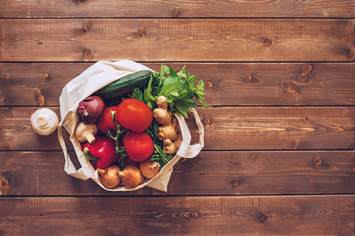 Mint Leaf - Culinary「Eco cotton bag with fresh vegetables at the kitchen counter」:スマホ壁紙(19)