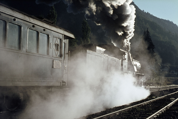 Mountain Range「The Dolomite mountains make a fine setting for this Italian Crosti boilered 741 Class 2-8-0 at the head of a passenger train between Fortezza and San Candido on Sunday 29th August 1971.」:写真・画像(16)[壁紙.com]