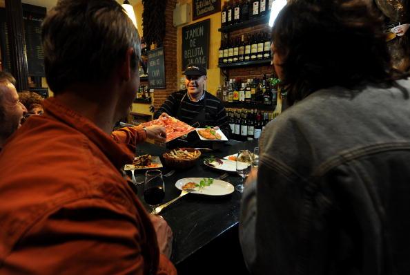 Tapas「Spaniards Fall Back On Tapas Bars In Harder Times」:写真・画像(13)[壁紙.com]