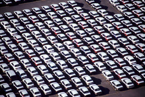 Conformity「Car lot」:スマホ壁紙(0)