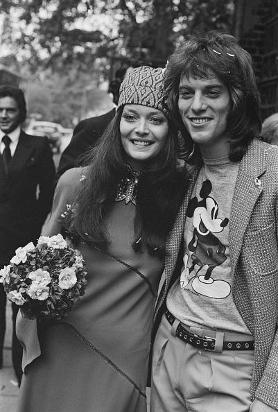 Bouquet「Rosemarie Frankland and Warren Entner on their wedding day」:写真・画像(8)[壁紙.com]