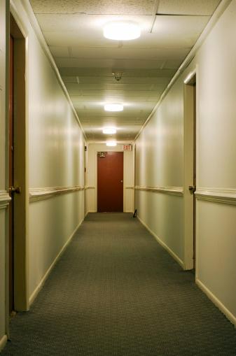 Motel「Corridor with exit sign」:スマホ壁紙(15)