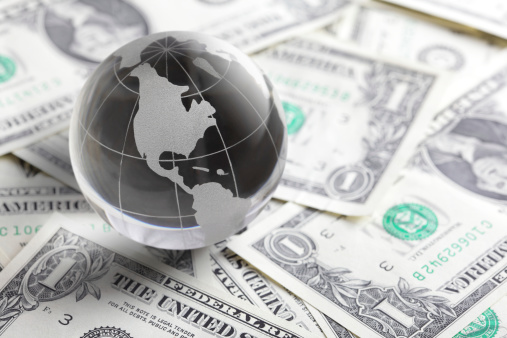 Exchange Rate「glass globe and money」:スマホ壁紙(6)