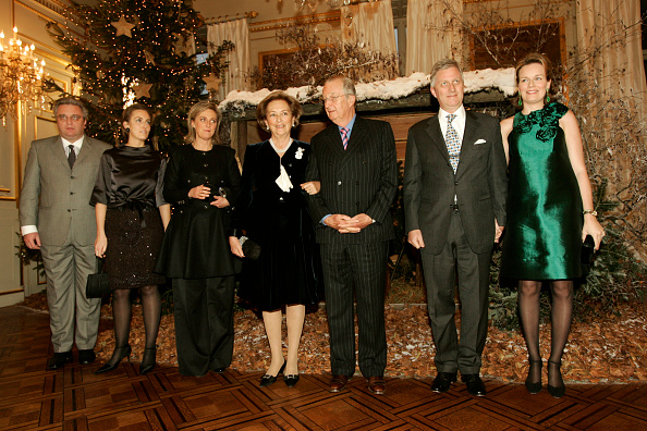 Christmas Decoration「Belgian Royals Pose in Front of Christmas Tree」:写真・画像(17)[壁紙.com]