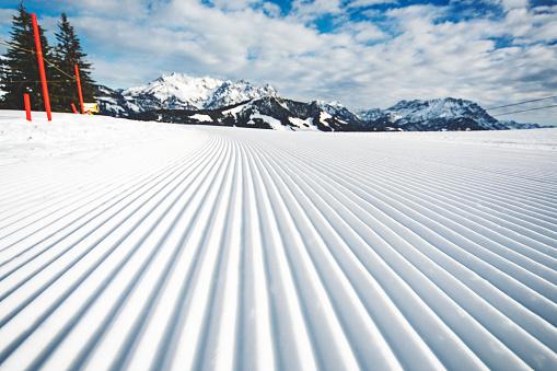 Ski Slope「Empty ski slope」:スマホ壁紙(5)