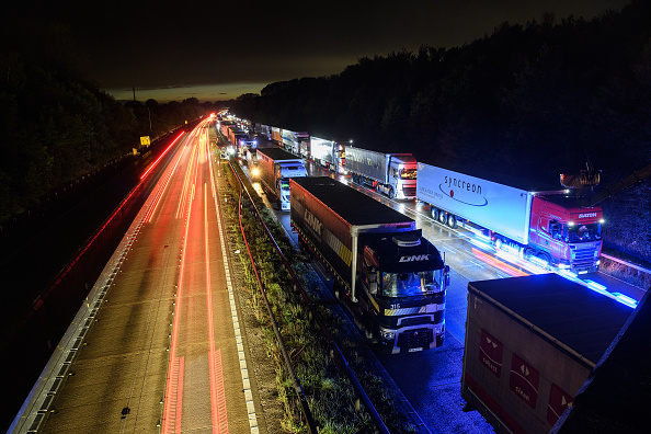 Traffic「Lorries Back Up As Operation Stack Is Activated On Kent Motorway」:写真・画像(15)[壁紙.com]